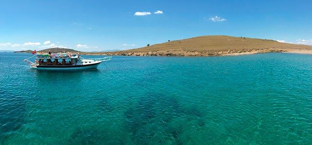 Ayvalık'ta tekne turlarının uğrak yerlerinden İncirli (Leyah) Adası