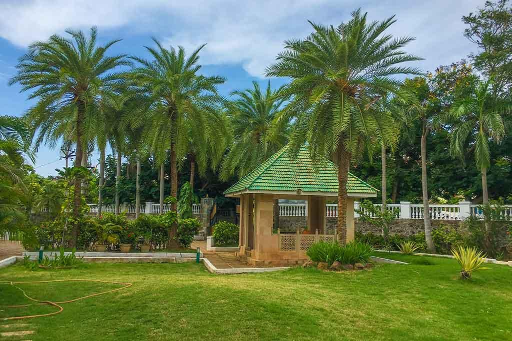 beach house in ecr for rent
