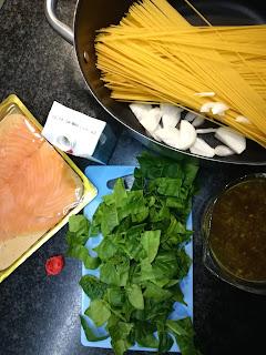 schnelle Pasta für Kinder - One Pot Pasta mit Spinat und Lachs