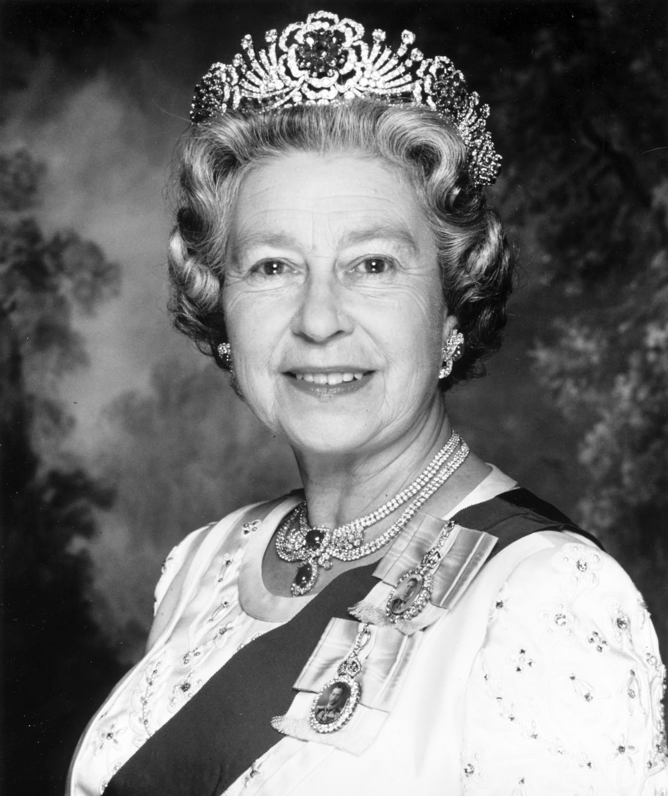 Eurohistory: UK: The Queen Hospitalized