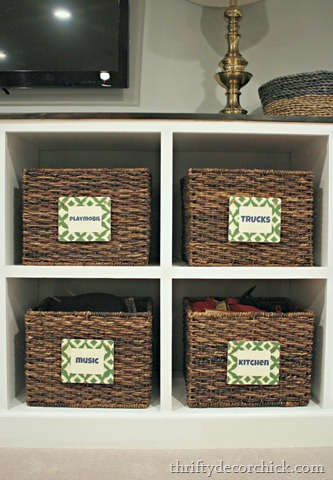DIY wood labels for storage baskets