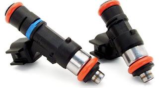 Comment s'assurer que les injecteurs de carburant reçoivent la tension correcte