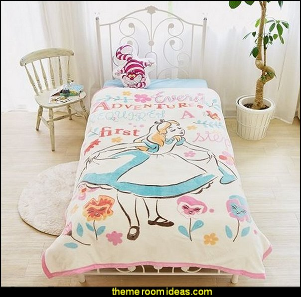 Alice Picture Blanket    Alice in wonderland themed rooms - design  an Alice in Wonderland Bedroom