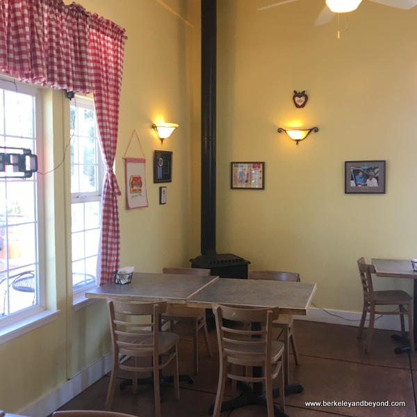 interior of Mom's Apple Pie in Sebastopol, California