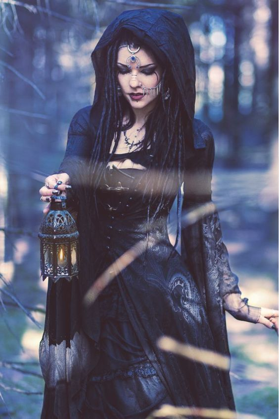 pictures of occult, magic, Wiccan and pagan