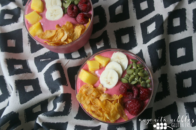 Two flaty lay gluten free smoothie bowls | Anyonita Nibbles