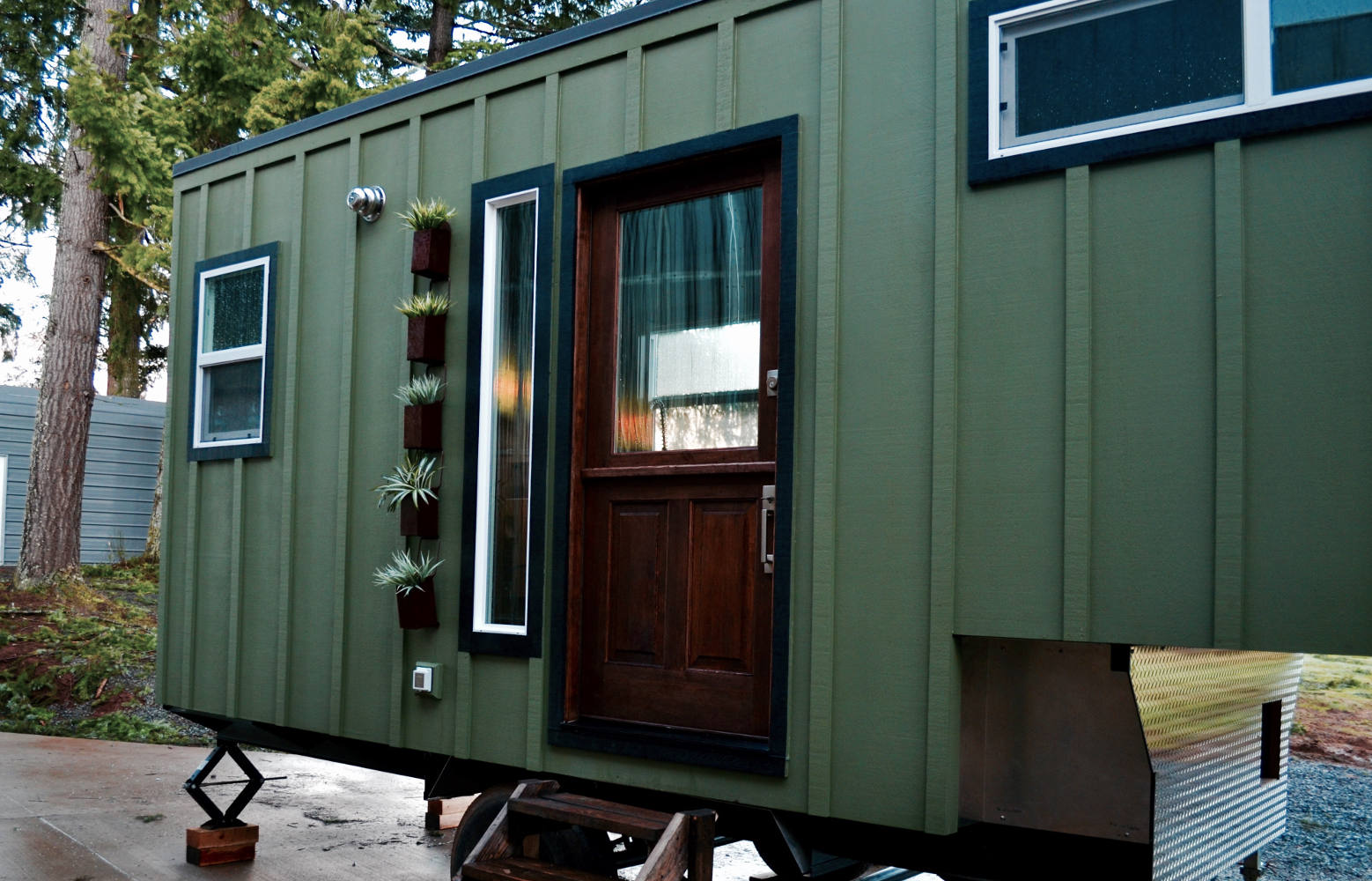 Tiny House Town Aerodynamic Tiny Home By Tiny Heirloom
