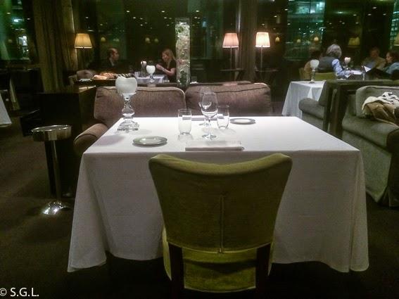 Mesa del restaurante Yandiola en Bilbao