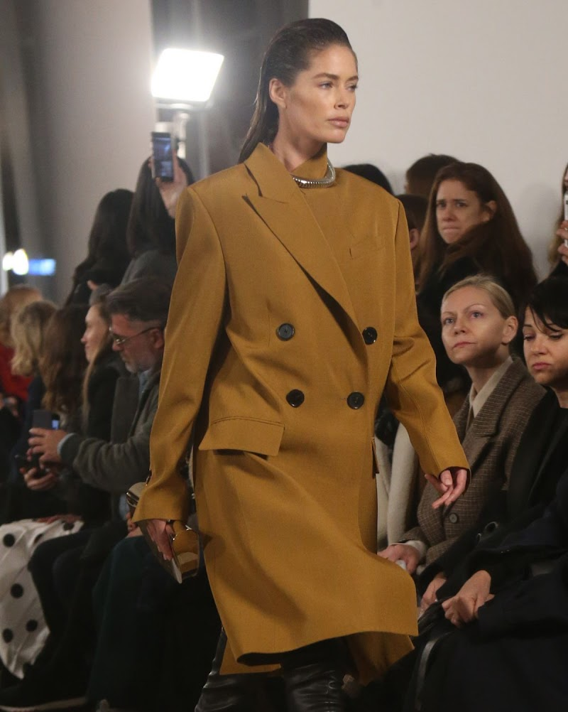Doutzen Kroes Clciks at Proenza Schouler Runway Show at New York Fashion Week 10 feb-2020