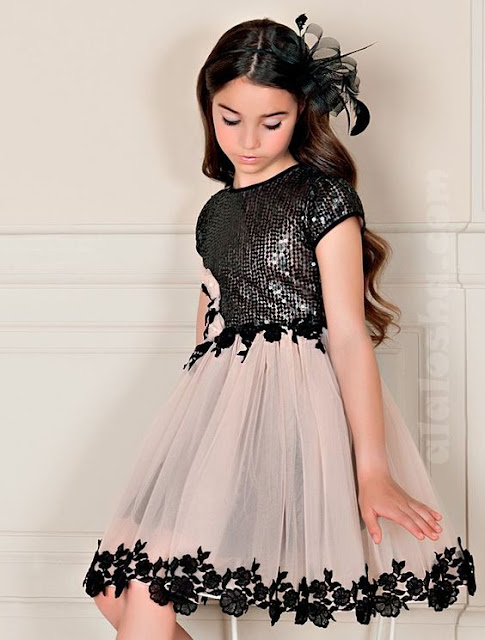 فستان أطفال مطرز قصير