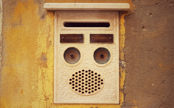 Photo of a doorbell by Yan Ots. Available freely on @unsplash.