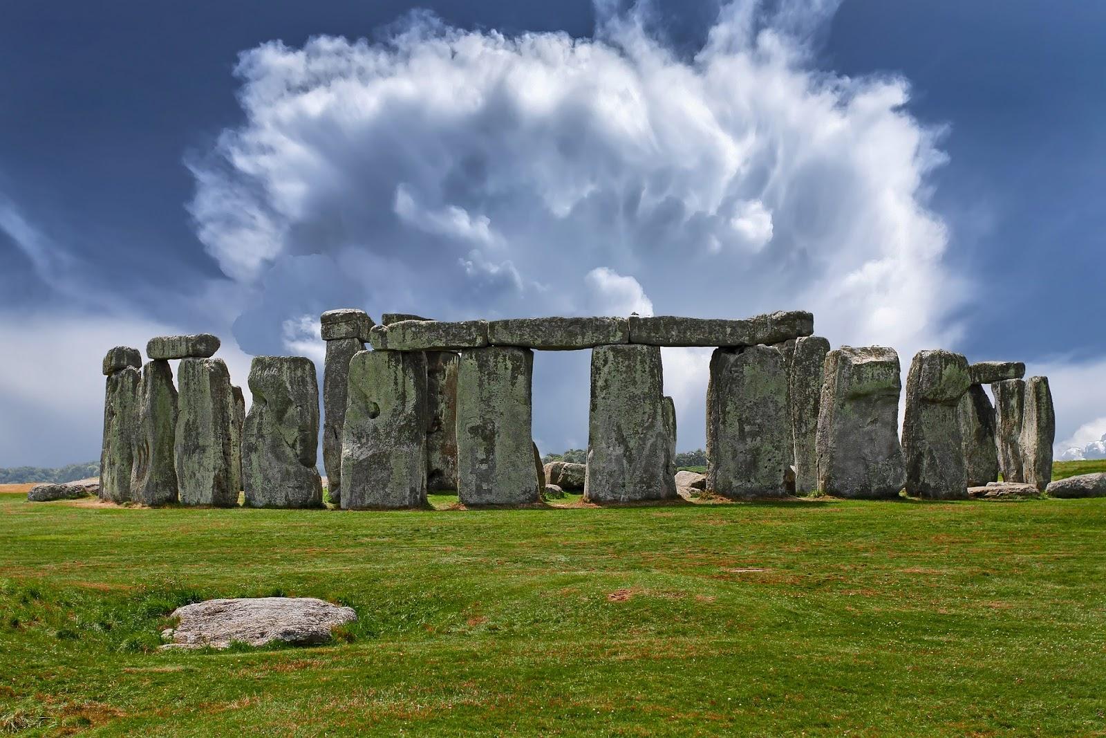 Stonehenge Tours, - Visit Stonehenge Tours Guide