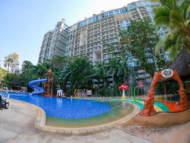 Shangri-La Hotel Pool Chiang Mai Thailand