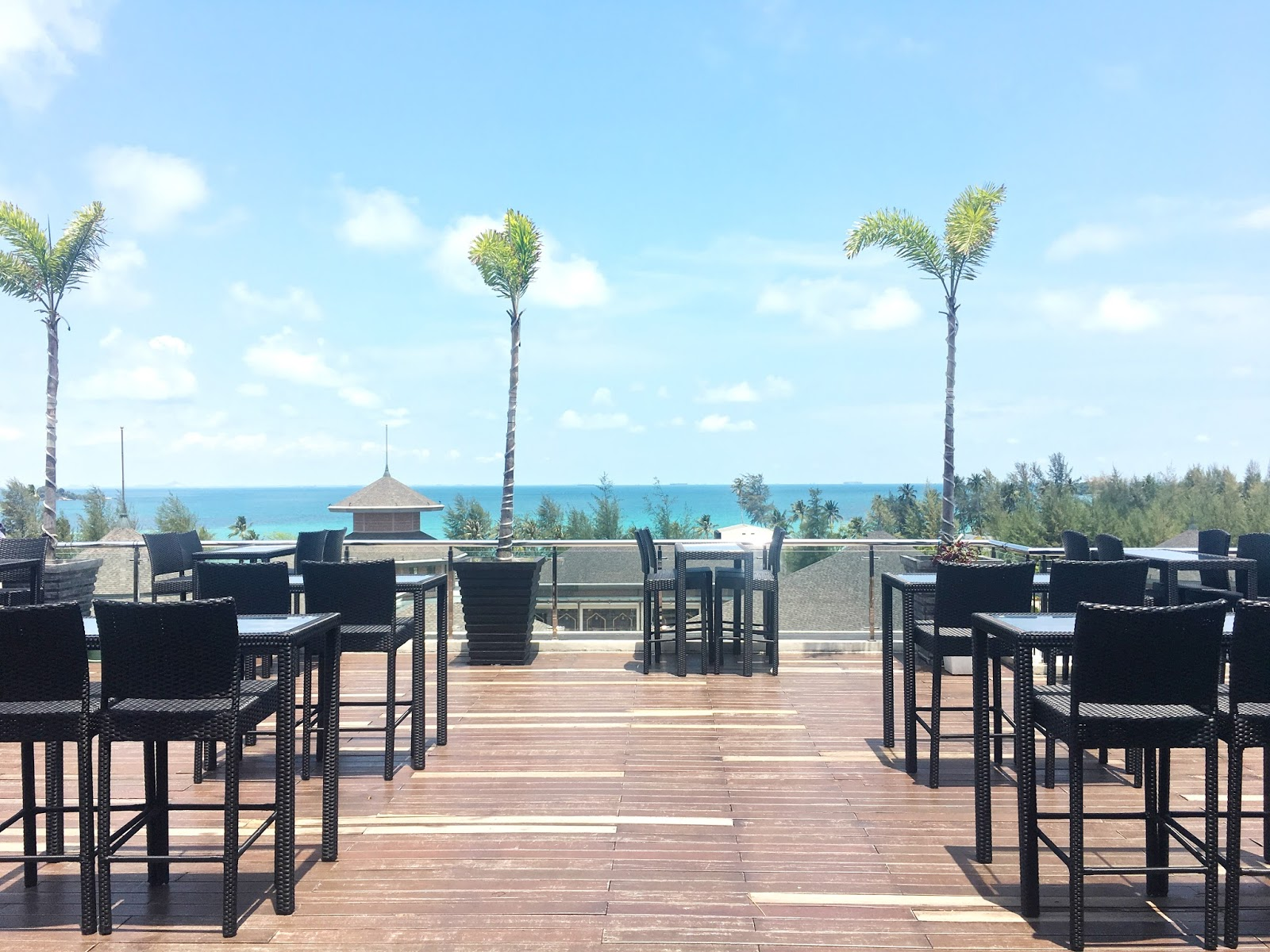 Bar 7 Rooftop Dining Outdoor