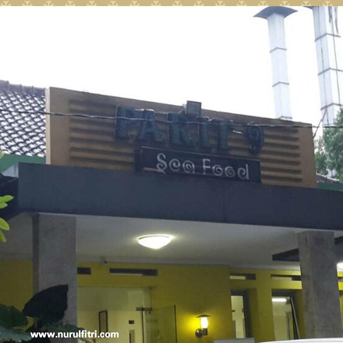 Makan Kepiting di Parit 9 Seafood Bandung