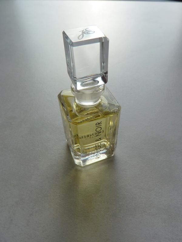 zapach róży w perfumach