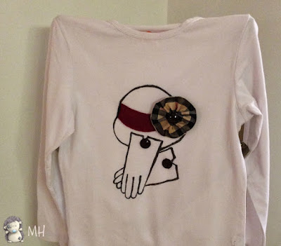 camiseta con aplicaciones