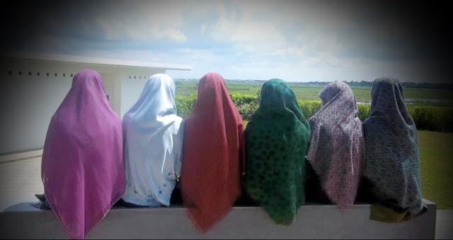 5 Keuntungan Memakai Jilbab Lebar Daripada Jilbab Cingkrang