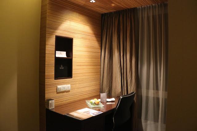 Meja Kerja Hotel Grandis Kinabalu