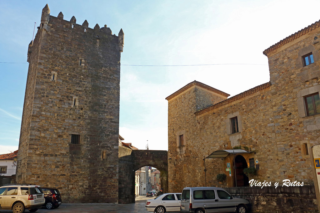 Torre del Palacio Valdés-Salas de Salas, Asturias