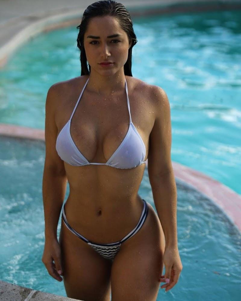 Bru Luccas In Bikini Clicks Instagram Pics- 2020