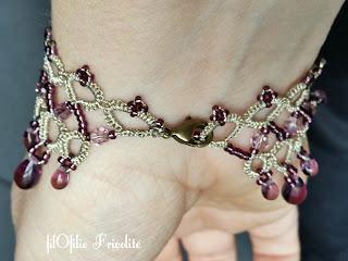 fermeture du bracelet en frivolité avec rocailles, perles rondes 4 mm et gouttes