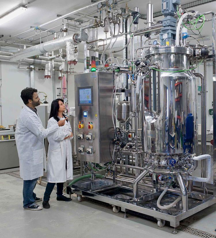 Planta de bioprocesamiento en funcionamiento