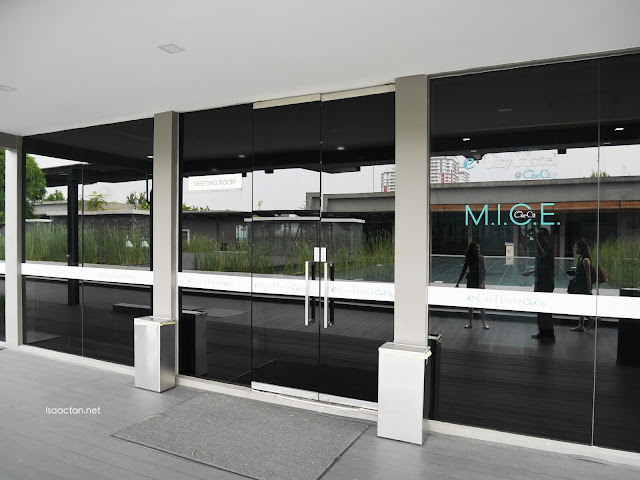 Meeting rooms on the rooftop