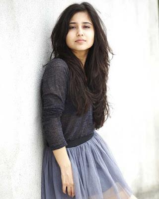Shweta Tripathi Latest  Images, Pictures & wallpapers, Haraamkhor Movie Actress Shweta Tripathi Images & Wallpapers