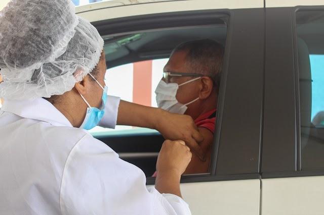 Secretaria de Saúde convoca idosos de 60 anos ou mais que ainda não se vacinaram contra Covid-19, para se vacinar nesta terça-feira