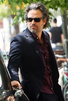 Mark-Ruffalo-Biography-Upcoming-movies-Net-Worth-picture
