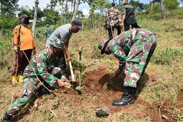 KodimKaranganyar - Bersama Lestarikan Bumi Indonesia Demi Masa Depan Generasi Penerus Bangsa