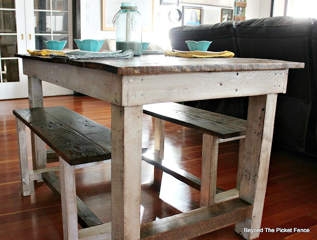farmhouse table, pallets, kitchen table, reclaimed wood, http://goo.gl/z9bPYj