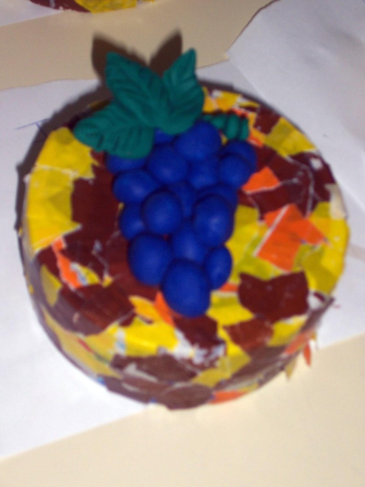 Qué puedo hacer hoy?: Caja con racimo de uvas