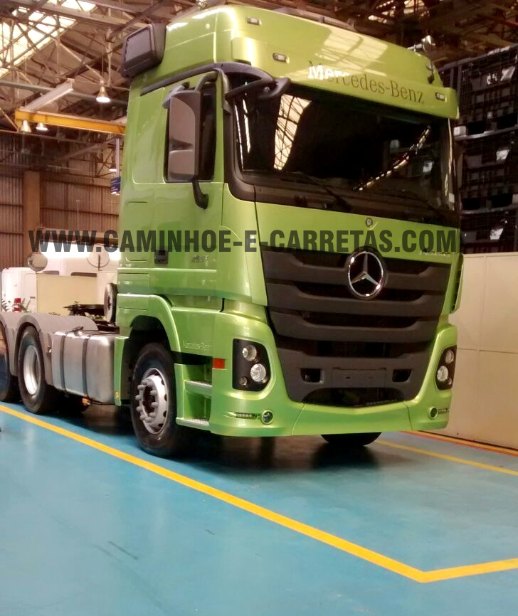 o novo mercedes benz actros em detalhes caminhões e carretas a