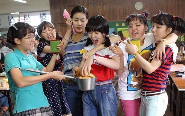 Review Film Sunny (2011), Kisah Persahabatan yang Lucu dan Menginspirasi