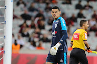 Goleiro titular do Athletico, Santos é uma boa opção para o Cartola FC