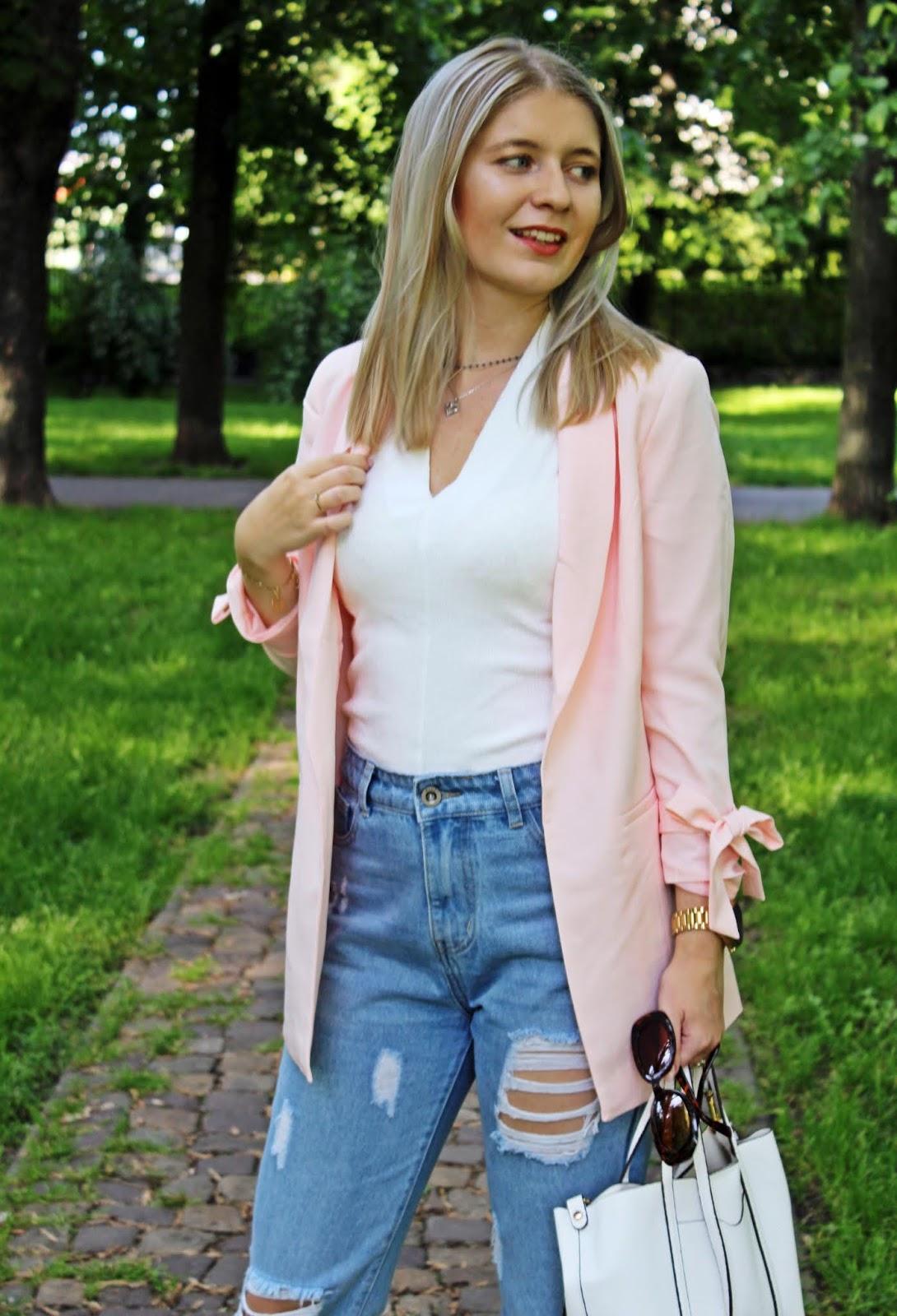 Różowa, pastelowa marynarka