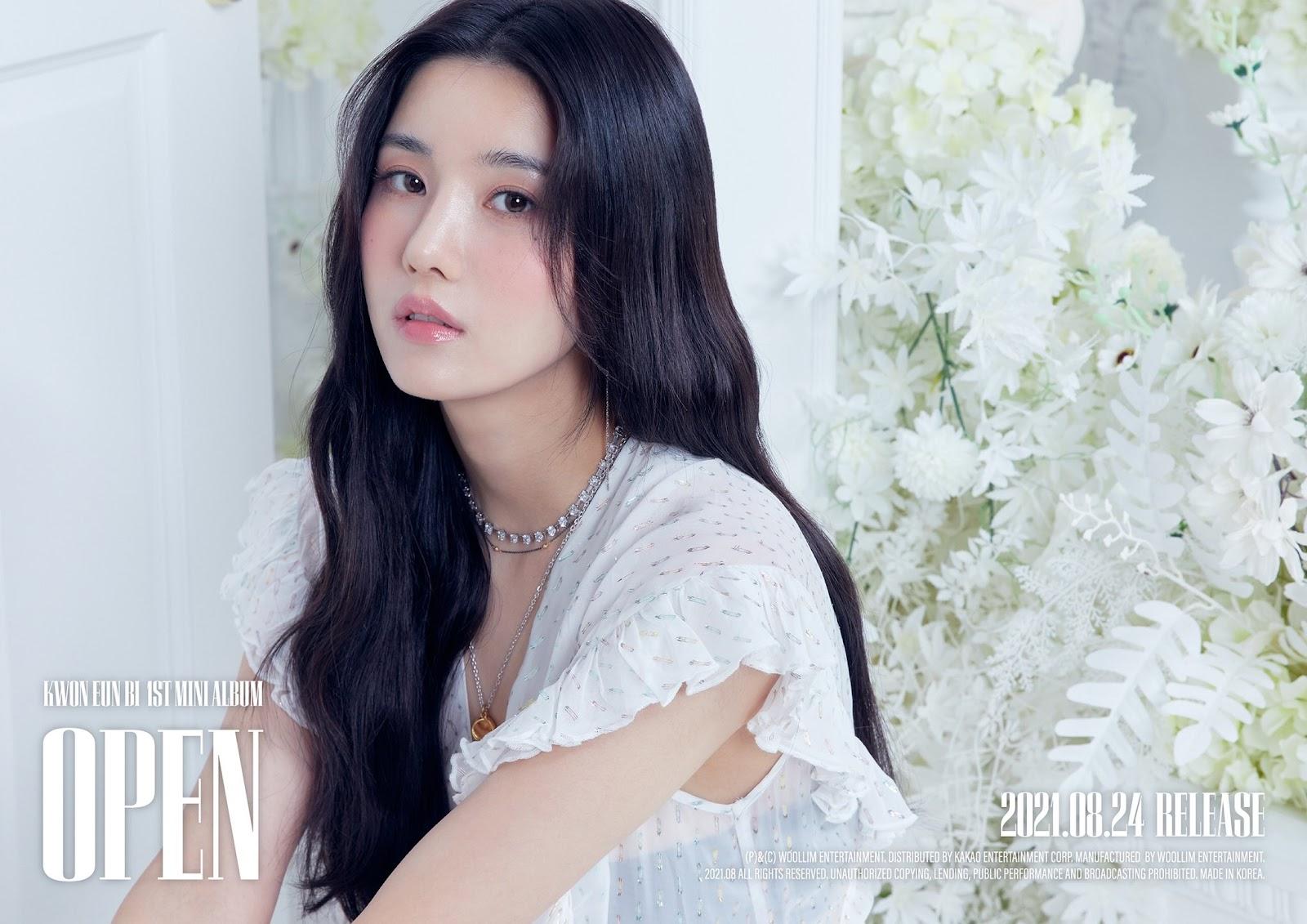 Kwon Eunbi hace su debut en solitario con OPEN