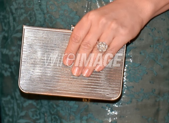 diamond ring worn by Jennifer Westfeldt