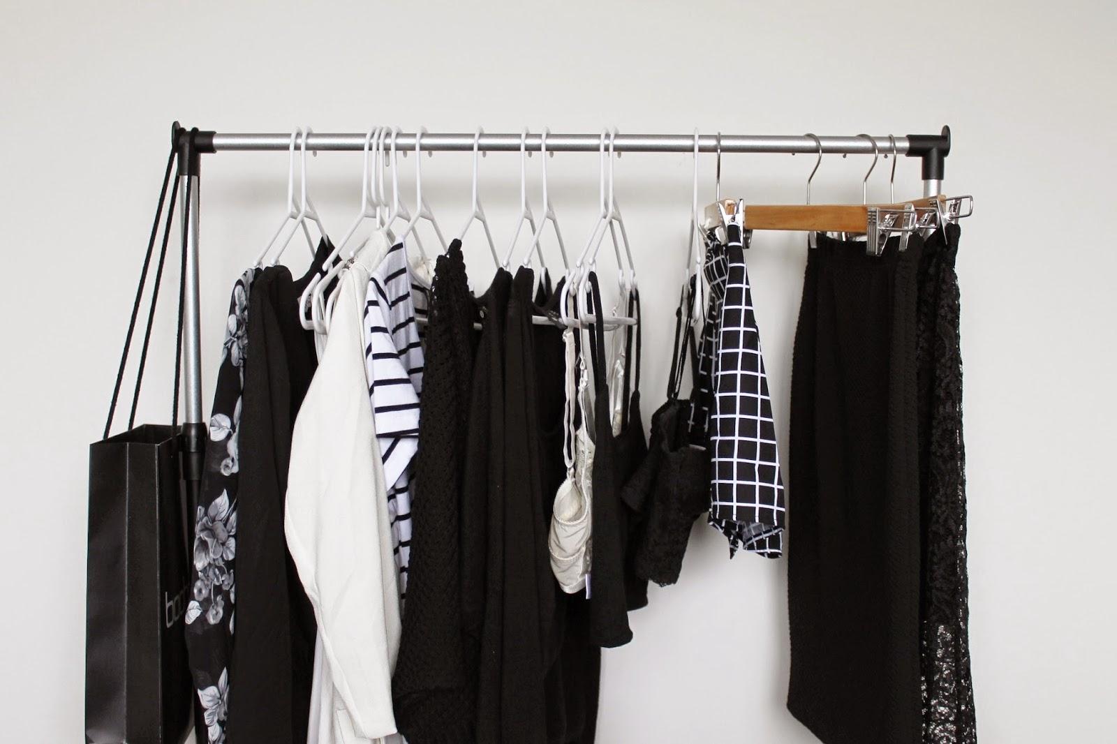 INSPIRATION TIME #1 | CLOTHING RACK