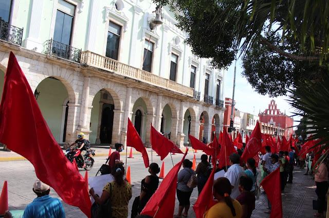 Antorcha Campesina protesta frente a Palacio; exigen solución a sus necesidades. Antonio Sánchez