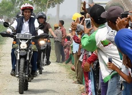 Kawasaki Bangga Jokowi Geber KLX 150 Lagi