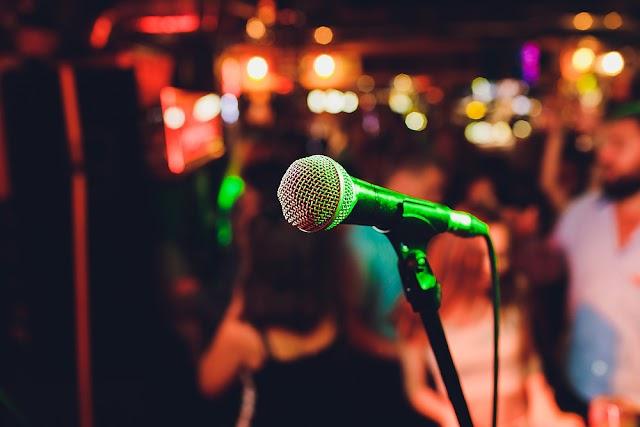 Nova lei determina que bares e restaurantes de MT divulguem preço do couvert artístico