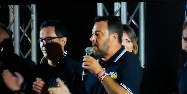 Salvini insta a España a acoger a las personas rescatadas por el Open Arms con un frívolo mensaje