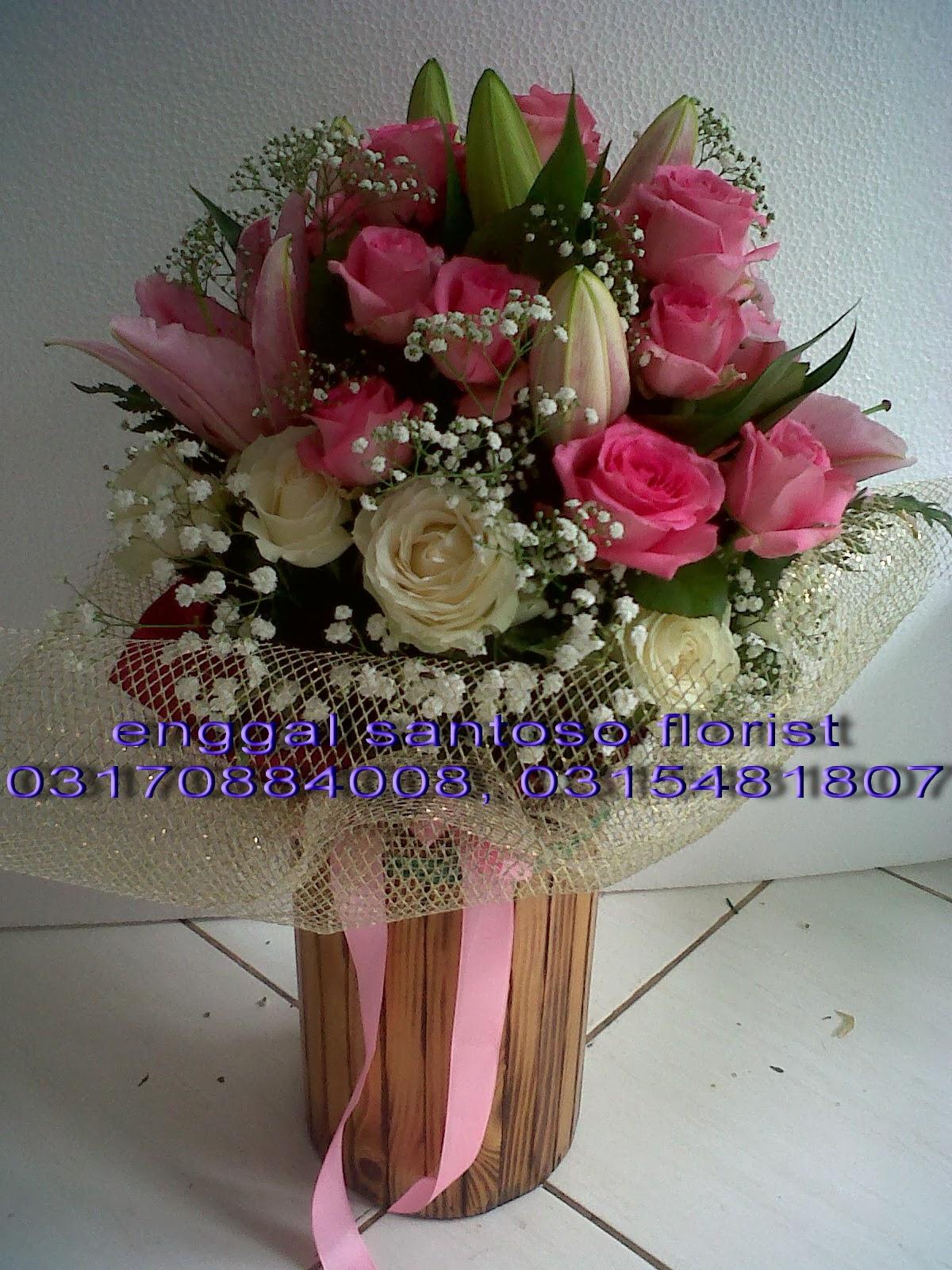 bunga tangan dan hand bouquet toko bunga surabaya enggal santoso florist