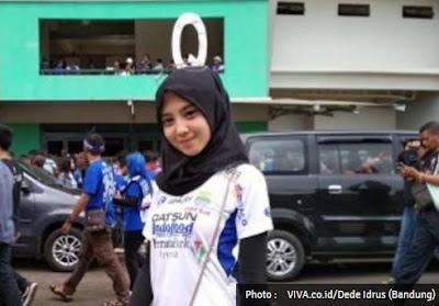 Foto-Foto Maung Geulis - Bobotoh Cantik Persib Bandung