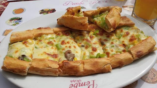 pide vegetariana mangiata istanbul