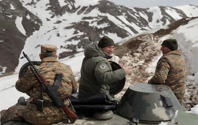Supervisan frontera con Najichevan