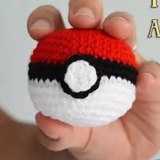 Amigurumi Pokebola a Crochet